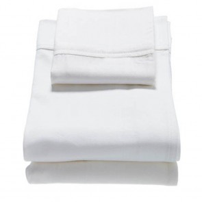 The babyhood classic 3pce sheet set is made with 100% cotton 350 thread count.   The set includes fited sheet, flat sheet and pillow case.