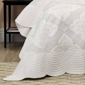 Bianca Madison White Bedspread Set
