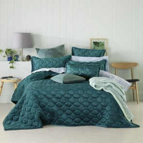 Yaxley Coverlet Set Teal